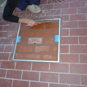 コンクリート床用点検口交換工事完成