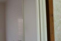 新しい枠がはまりドアが付いたところです。